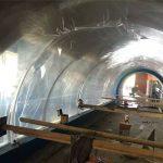Progetto acrilico su misura per grandi acquari con tunnel in plastica