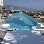 Tetto in plastica trasparente per piscina